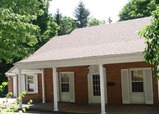 Foreclosed Home in Bluefield 24701 OAK GROVE AVE - Property ID: 4290710977