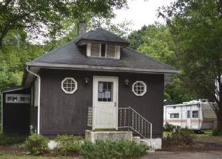 Foreclosed Home in Woodbury Heights 08097 CHESTNUT AVE - Property ID: 4291066149