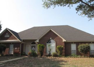 Foreclosed Home in White Oak 75693 PALUXY DR - Property ID: 4291415216