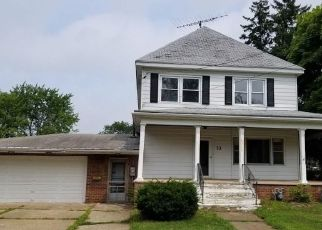Foreclosed Home in Angola 14006 CENTER ST - Property ID: 4291731885