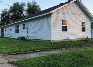 Foreclosed Home in Crystal City 63019 CHESTNUT ST - Property ID: 4291823416