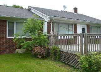 Foreclosed Home in Algonac 48001 POINTE TREMBLE RD - Property ID: 4291975391