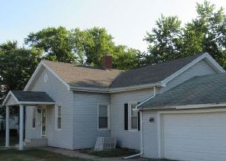 Foreclosed Home in Monmouth 61462 S 6TH ST - Property ID: 4292242108