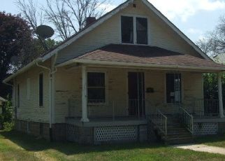 Foreclosed Home in Watseka 60970 E LOCUST ST - Property ID: 4293045357