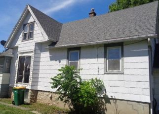 Foreclosed Home in Fond Du Lac 54935 W 9TH ST - Property ID: 4293217935