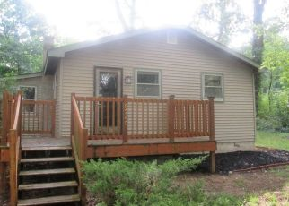 Foreclosed Home in Walkerton 46574 N BLACKHAWK AVE - Property ID: 4293599848