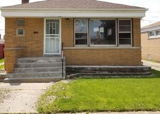 Foreclosed Home in Chicago 60633 S MARQUETTE AVE - Property ID: 4293626552