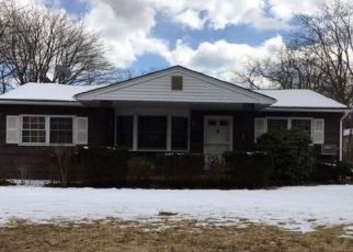 Foreclosed Home in Bay Shore 11706 19TH AVE - Property ID: 4293808761