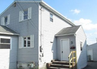 Foreclosed Home in Syracuse 13208 BROOKLINE RD - Property ID: 4293879709