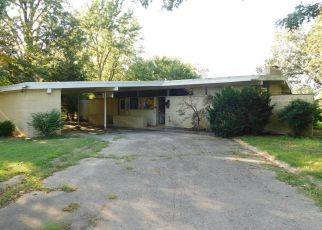 Foreclosed Home in East Prairie 63845 LOMBARDY DR - Property ID: 4293888914