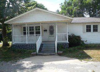 Foreclosed Home in East Prairie 63845 FOLK ST - Property ID: 4293889335