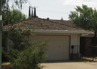 Foreclosed Home in Sacramento 95822 GLORIA DR - Property ID: 4294009337