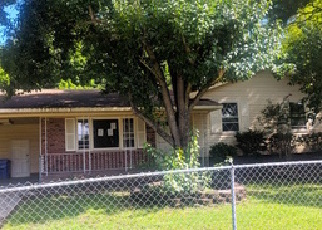 Foreclosed Home in Spring Lake 28390 MACK ST - Property ID: 4294443823