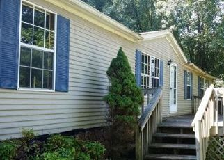 Foreclosed Home in Kingsport 37663 BEULAH PARK DR - Property ID: 4294704857