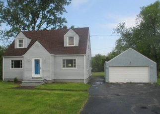 Foreclosed Home in Lewiston 14092 RIDGE RD - Property ID: 4295094195