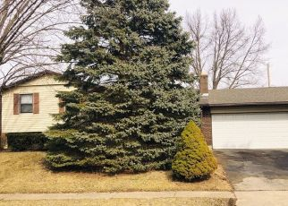 Foreclosed Home in Englewood 45322 HEATHWOOD DR - Property ID: 4295343411