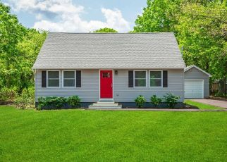 Foreclosed Home in Mastic 11950 GROVE DR - Property ID: 4295382391