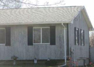 Foreclosed Home in Bay Shore 11706 N CLINTON AVE - Property ID: 4295389848
