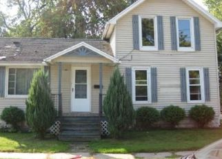 Foreclosed Home in Port Huron 48060 GARFIELD ST - Property ID: 4295430118