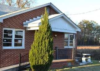 Foreclosed Home in Suffolk 23437 S QUAY RD - Property ID: 4295753802