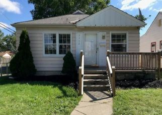 Foreclosed Home in Redford 48239 DOLPHIN - Property ID: 4295826949