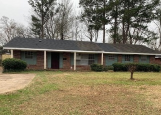 Foreclosed Home in Montgomery 36116 QUEENSBURY DR - Property ID: 4295933358