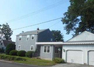 Foreclosed Home in West Warwick 02893 NEW LONDON AVE - Property ID: 4296056878