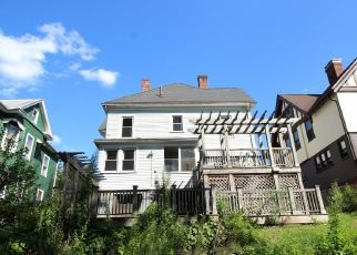 Foreclosed Home in New Britain 06052 LINCOLN ST - Property ID: 4296082269