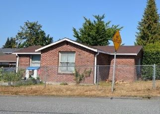 Foreclosed Home in Everett 98203 BEVERLY LN - Property ID: 4296129126