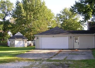 Foreclosed Home in Jacksonville 62650 N DIAMOND ST - Property ID: 4296250909