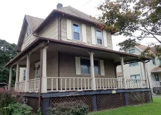Foreclosed Home in Sewaren 07077 WEST AVE - Property ID: 4296364326