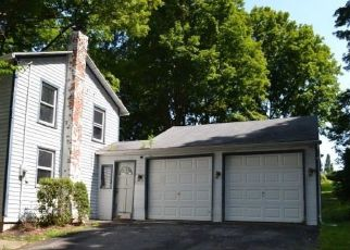 Foreclosed Home in Watertown 06795 LITCHFIELD RD - Property ID: 4296446223