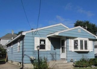 Foreclosed Home in Riverside 02915 EARL AVE - Property ID: 4296513233