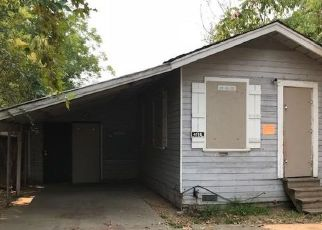 Foreclosed Home in Sacramento 95820 W NICHOLS AVE - Property ID: 4296929762