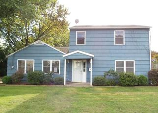 Foreclosed Home in Trumbull 06611 LEONARD PL - Property ID: 4296949462