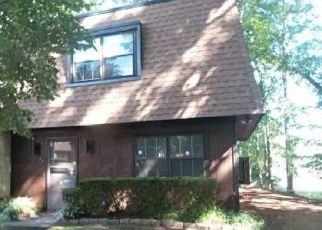 Foreclosed Home in Marietta 30008 CEDAR POINTE CT SW - Property ID: 4296962606