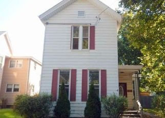 Foreclosed Home in Peoria 61606 N GARFIELD AVE - Property ID: 4297050188