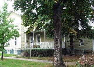 Foreclosed Home in Bay City 48708 MCKINLEY ST - Property ID: 4297145229