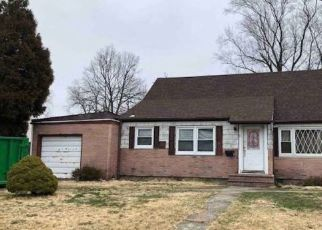 Foreclosed Home in Amityville 11701 ADRIAN CT - Property ID: 4297305537