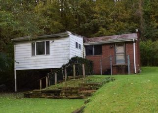 Foreclosed Home in Verona 15147 OLD COAL HOLLOW RD - Property ID: 4297384820
