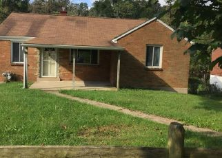 Foreclosed Home in Pittsburgh 15235 JEFFERSON RD - Property ID: 4297395321