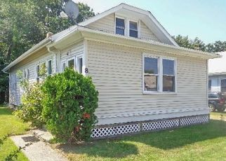 Foreclosed Home in Warwick 02888 DELAWARE AVE - Property ID: 4297412398