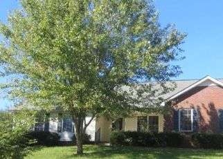 Foreclosed Home in Clarksville 37043 KIM DR - Property ID: 4297424671
