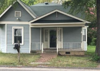 Foreclosed Home in Chattanooga 37407 13TH AVE - Property ID: 4297496490