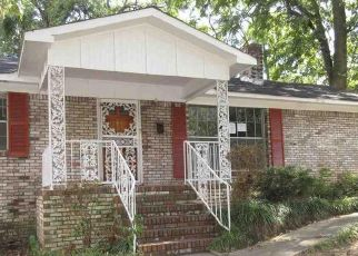 Foreclosed Home in Fairfield 35064 48TH PL - Property ID: 4297609940
