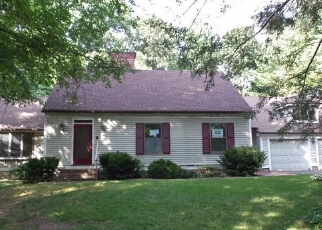 Foreclosed Home in Southington 06489 FOX RUN DR - Property ID: 4297671688