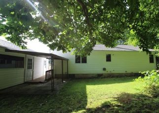 Foreclosed Home in Lewiston 04240 ORCHARD CIR - Property ID: 4297792565