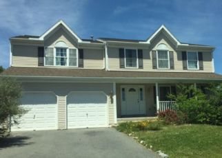 Foreclosed Home in Reading 19608 LONGVIEW DR - Property ID: 4298021627