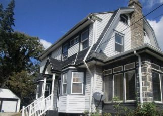 Foreclosed Home in Upper Darby 19082 WINDSOR AVE - Property ID: 4298025566