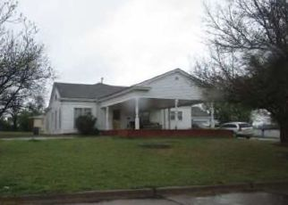 Foreclosed Home in Lawton 73507 NW DEARBORN AVE - Property ID: 4298150385